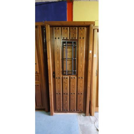Puerta exterior madera maciza