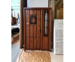 Puerta pino teñido