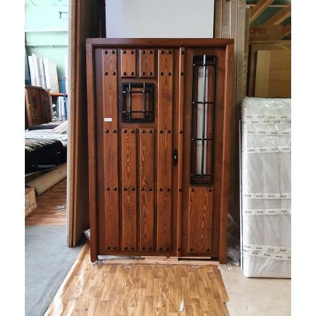 Puerta castaño