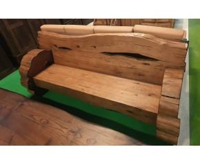 Escaño en madera castaño