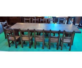 Mesa, sillas y dos tronos comedor en castaño viejo