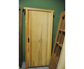 Puerta exterior pino maciza