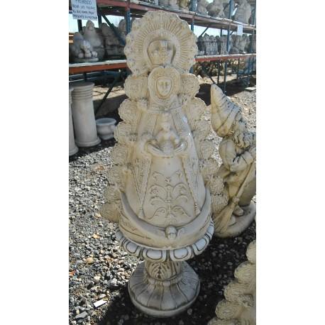 Virgen sobre pedestal